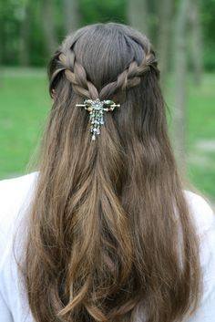 This lovely look, and many others can be created with the fabulous flexi clip! Seven different sizes, for baby fine to mega long, super thick hair! Everything 10% off, plus free shipping on orders of $30 or more, plus be entered to be the mystery hostess! http://www.themodestmomblog.com/2013/06/10-off-at-lilla-rose-free-shipping-sale-new-clips-and-mystery-hostess-party/