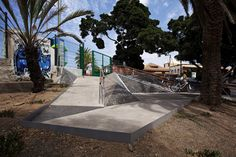 Image 1 of 27 from gallery of A Triangulated Ramp Made For People With Reduced Mobility In Mind. © Micael Löfgren