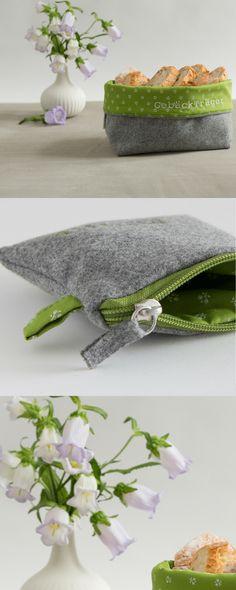 Minitasche aus Loden aus Merinowolle und Dirndl-Stoff mit individueller Bestickung