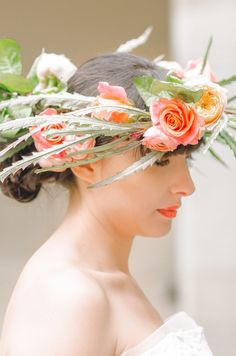 Unique flower crown | Anais Stoelen Photography | see more on: http://burnettsboards.com/2014/07/romantic-wedding-editorial-tuscan-villa/
