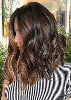 Browse here and see our amazing ideas of brunette balayage hair colors and hairstyles to sport in year Flattering balayage and brunette hair col. Best Of Brunette Balayage Hair Color Ideas for 2019 Hair Color Ideas For Brunettes Balayage, Hair Color Balayage, Hair Highlights, Subtle Highlights, Caramel Highlights, Brunette With Lowlights, Long Bob Hairstyles, Bob Hairstyles Brunette, Gorgeous Hairstyles