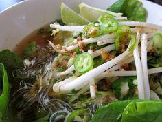 Raw vegan pho ~ Recipe here --> http://chowvegan.com/2011/08/14/vegetarian-pho-from-anis-raw-food-asia/