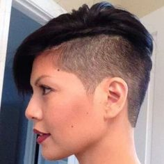 planetbuzzedgirls:  #sidecut #hairstylist #haircuts #hairstyle#hair style #sidecutdesign