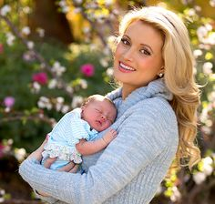 Holly Madison Debuts Daughter Rainbow Aurora in Beautiful First Baby Portrait