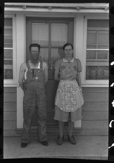 Russell Lee. Untitled photo, possibly related to: Farm worker living at a permanent cottage at the FSA (Farm Security Administration) labor camp. Caldwell, Idaho. 1941 June. Library of Congress.