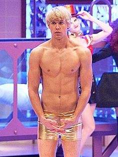 shirtless Chord Overstreet on Glee's Rocky Horror episode