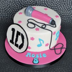 One Direction Cake. Microphone, karaoke, music notes. Pam Bakes Cakes, pambakescakes.