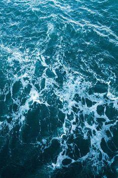 6257 Deep Blue Rough Ocean Water Backdrop