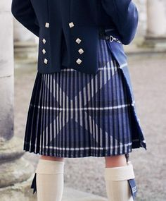 Saltire Kilt- I understand a bit about kiltmaking, but how on earth do you sew the pleats for this?????