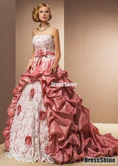 Olden looking ball gown<3