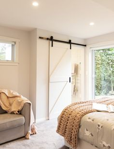 Both functional and stylish, barn doors are our new favourite interior trend. Here's how to use this design feature in your own home Wooden Barn Doors, Glass Barn Doors, Wooden Shutters, Leadlight Windows, Green Barn, Slider Door, Interior Styling, Interior Design, Barn Style Doors