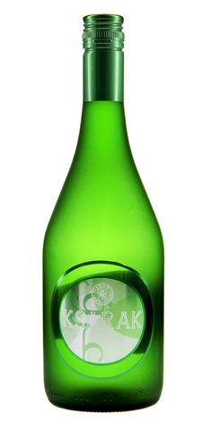 Château Ksara Ksarak - Der Ksarak, der aus dem Libanon - der Wiege des Arak - stammt, vereint in sich das Beste aus Tradition und Moderne: Klassische Zutaten und modernste Destillationsmethoden machen ihn zum reinsten Vertreter seiner Art. Die Samen von Anis aus der berühmten Al-Heenah-Region und ein zweijähriger Reifeprozess in althergebrachten Tongefäßen bringen einen Arak hervor, der nicht nur bei Connaisseuren eine ganz neue Trink-Tradition begründet. #spirit #schnaps #snaps #drink