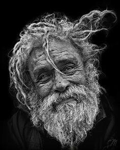 Luis alfonso 67 años 40 años en la calle.