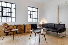 Huge minimalist one bedroom Loft in Shoreditch/Hoxton Square, London.