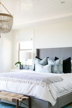 BECKI OWENS- Estillo Project: Modern Coastal Master Bedroom