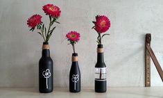 Wazony z butelek malowane tablicówką - Klinika DIY Diy, Bottle, Home Decor, Decoration Home, Bricolage, Room Decor, Flask, Do It Yourself, Home Interior Design