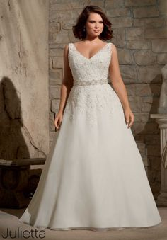 3173 Wedding Gowns / Dresses Embroidered Appliques with Crystal Beading on Delicate Chiffon