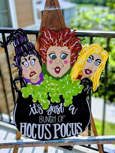 Hocus Pocus Halloween Door Hanger Thanks for stopping by my shop! Lets get you into the Halloween Spirit Halloween Door Hangers, Fall Door Hangers, Wooden Door Hangers, Casa Halloween, Spirit Halloween, Holidays Halloween, Halloween Fairy, Halloween Mantel, Halloween Witches