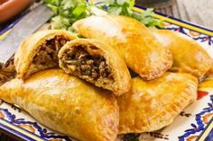 Mexican beef empanadas are tasty stuffed pastry pockets you can eat any time of the day. You can even serve them as appetizers for your dinner party. Beef Recipes For Dinner, Great Recipes, Cooking Recipes, Favorite Recipes, Beef Dishes, Food Dishes, Main Dishes, Mexican Dishes, Mexican Food Recipes