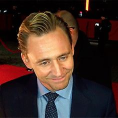 Tom Hiddleston Interview - TNM at Berlinale 2016: http://v.youku.com/v_show/id_XMTQ3NjQ4OTM0MA==.html Gif-set: http://maryxglz.tumblr.com/post/139691440832/x