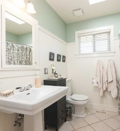 1000 Images About Small Bathrooms On Pinterest Small Bathrooms Gray Bathrooms And Tile