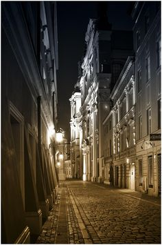 Warsaw, beautiful alleys of the old town by Goeran Wallin on 500px