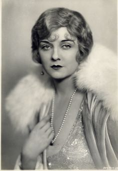 Alice Terry, Circa 1920s. Love her hair.