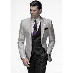 Trajes de novio italianos ONGala  Traje Modelo n:459  Disponible en tienda y venta online:  ComercialMoyano.com