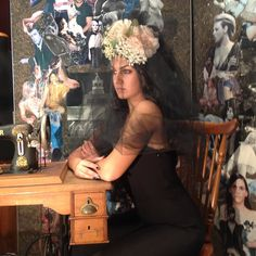 Prove di acconciature nel mio show-room  Fotografie di @lorefras  Hairdresser @annamadonia  Make-up @lisa_toppi  #moda #fashion #modella #model #instagood #instafun #igers #igersoftheday #instalike #Livorno #Italia #italy #artigianato #madeinitaly #cappello #cappelli #modisteria #igerslivorno #igerstuscany #tuscanypeople