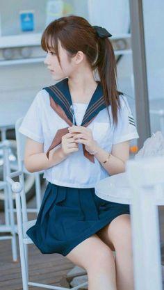 School Girl Japan, School Uniform Girls, Girls Uniforms, Japan Girl, Cute Asian Girls, Beautiful Asian Girls, Cute Girls, Japanese School, Cute Japanese