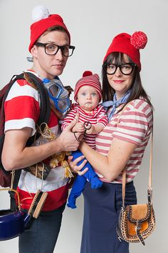 Halloween costumes: Where's Waldo family costume idea | Say Yes