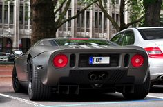Ford GT. The C looks so silly beside it! =))