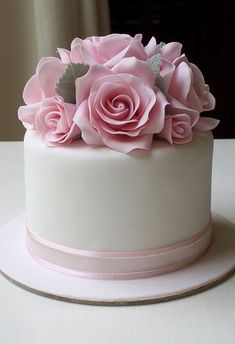 Small 4 inch fruit cake with pink roses.Cute with a couple of plain tiers underneathFloral Cake Gorgeous Cakes, Pretty Cakes, Amazing Cakes, Fancy Cakes, Mini Cakes, Fondant Cakes, Cupcake Cakes, Fondant Rose, Floral Cake