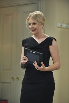 Still of Melissa Joan Hart and Joseph Lawrence in Melissa & Joey (2010)