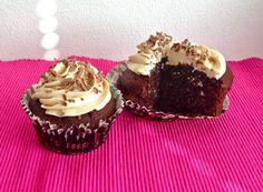 Aatun apajilla: Cookies'n'Cream Baileys Cupcakes / Keksimuru-kermalikööri kuppikakut