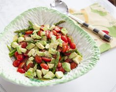 Freshly springy in every bite, this salad is simple but will keep all your tastes satisfied. Creamy avocado with fresh asparagus and grape tomatoes make for a perfect palate of deliciousness. Happ…
