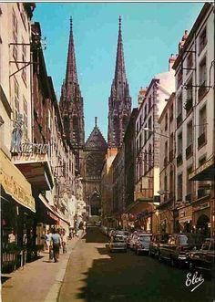 Clermont aux années 70-80 Clermont Ferrand, France, Barcelona Cathedral, Photos, Europe, Building, Travel, Image, Beautiful Places