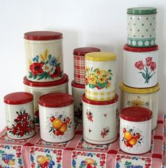Great Kitchen Ideas So here are some more kitchen collectibles I find hard to resist. My first set of these vintage tin kitchen canisters came from my Grandmot. Vintage Canisters, Vintage Kitchenware, Kitchen Canisters, Vintage Tins, Vintage Dishes, Kitchen Items, Vintage Decor, Retro Vintage, 1960s Decor