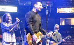 Eddie Vedder soundchecks with Social Distortion in Philadelphia, 10/28/09