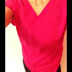 MOSSIMO V-neck Tee Hot Fuchsia Magenta Pink XS Cute top that's a silky-look 100% polyester fabric in front & a regular t-shirt material (100% rayon) in back. Care tag says machine-wash Cold. Wrinkly from storage but no spots or stains that I could find. In good shape and a really, really fab & feminine color. Mossimo Supply Co. Tops Tees - Short Sleeve