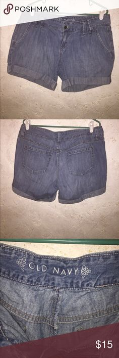 Old Navy jean shorts. Old Navy size 14 pleated jean shorts.     05 Old Navy Shorts Jean Shorts