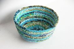 Coiled Fabric Scrap Basket | Radiant Home Studio - a list of the best tutorials and inspiration for fabric rope bowls
