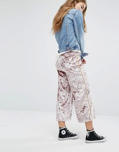 Pull&Bear | Pull&Bear Velvet Culottes With Metallic Stripe In Nude