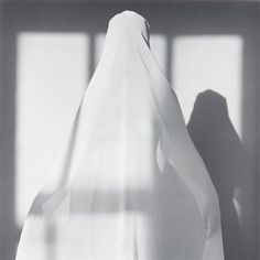 "ROBERT MAPPLETHORPE - ""PORTRAIT OF LISA LYON"", 1982."