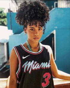 Natural Hair Growth Remedies, Natural Hair Growth Tips, Natural Hair Types, Curly Hair Styles, Curly Hair With Bangs, Short Natural Curls, Short Afro Hairstyles, Costume Noir, Pelo Afro