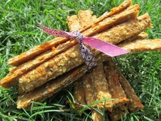 Fruit & Veggie Sticks Dog Treat/Biscuit Recipe and this links through to a number of other home made treats Homemade Dog Treats, Healthy Dog Treats, Dog Treat Recipes, Dog Food Recipes, Puppy Treats, Dog Cookies, Dog Biscuits, Biscuit Recipe, Training Your Dog