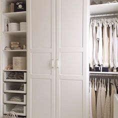 Décor Inspiration | At Home: 10 Images of Storage Inspiration for the Weekend