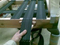 Diy Furniture Upholstery, Wood Pallet Furniture, Furniture Repair, Diy Furniture Plans, Distressed Furniture, Corner Sofa Design, Diy Couch, Diy Resin Art, Chaise Vintage