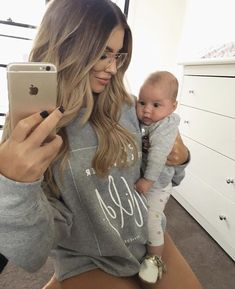 Pin by Chandler Cleveland on + Future Family + Mom Dad Baby, Mom And Dad, Baby Kids, Future Maman, Future Baby, Cute Baby Pictures, Baby Family, Family Goals, Baby Fever