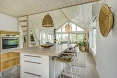 Miete Ferienhaus 94-2007 in Lille Strandvej 22, Roskilde Fjord Danish Interior Design, Kitchen, Home Decor, Cottage House, Decorating, Cooking, Decoration Home, Room Decor, Kitchens